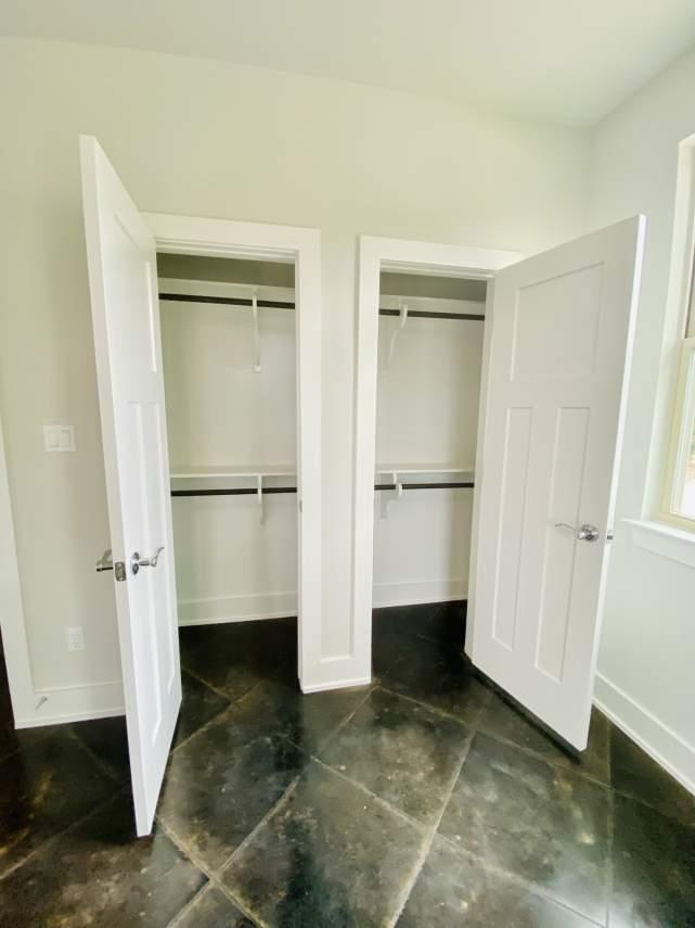 1020-Panorama-Unit-A-Master-secondary-closets