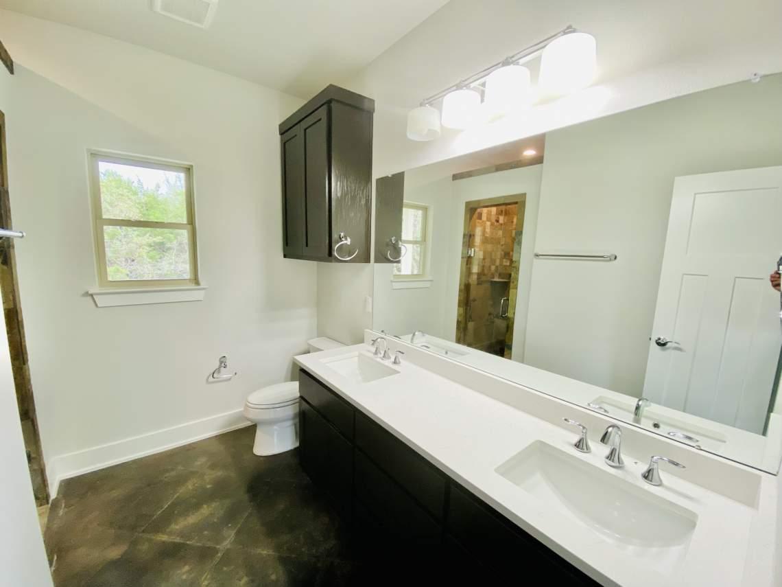 1020-Panorama-Unit-B-Master-Bathroom