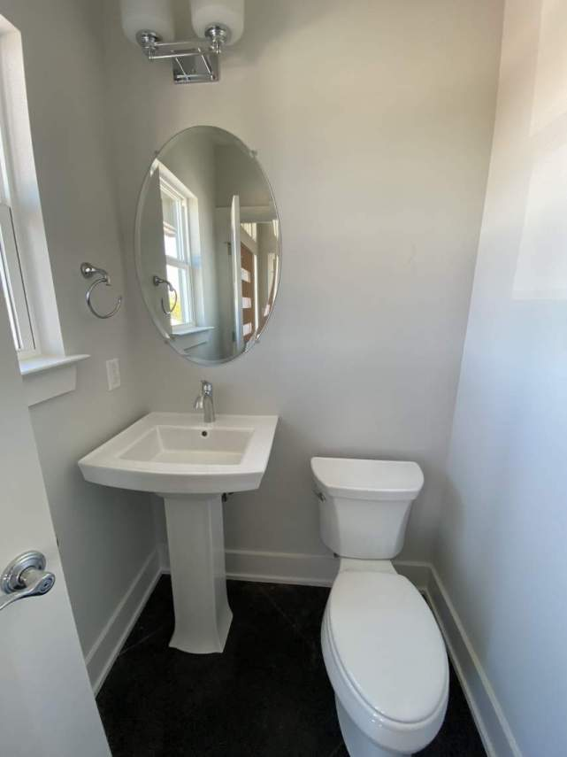 Guest-half-Bathroom