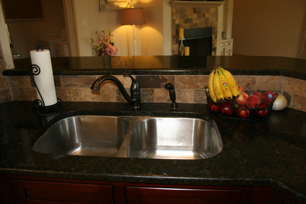 10802 Wildwood Circle, Dripping Springs, TX 78620 - Luxury Kitchen