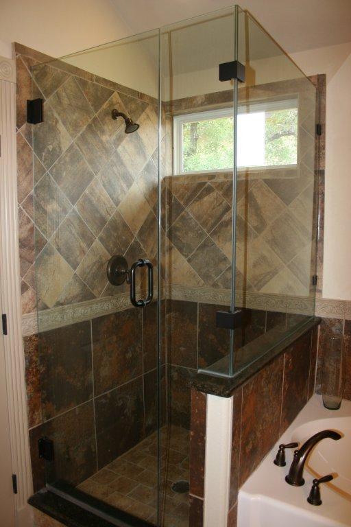 10802 Wildwood Circle, Dripping Springs, TX 78620 - Master Bath Room