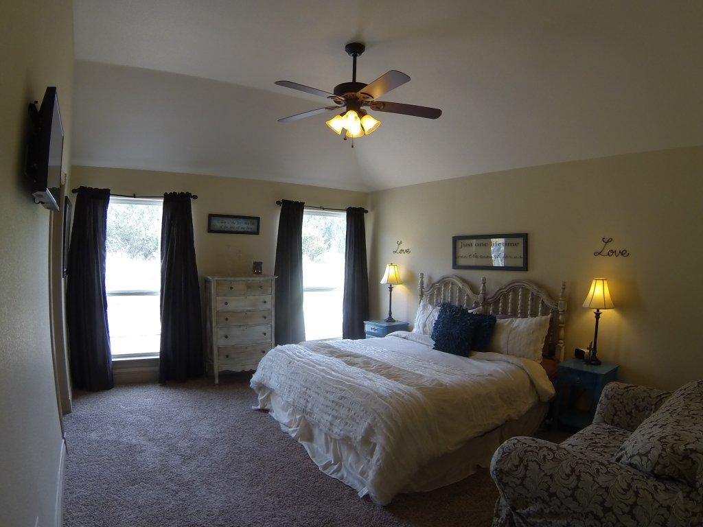 10802 Wildwood Circle, Dripping Springs, TX 78620 - Master Bed Room