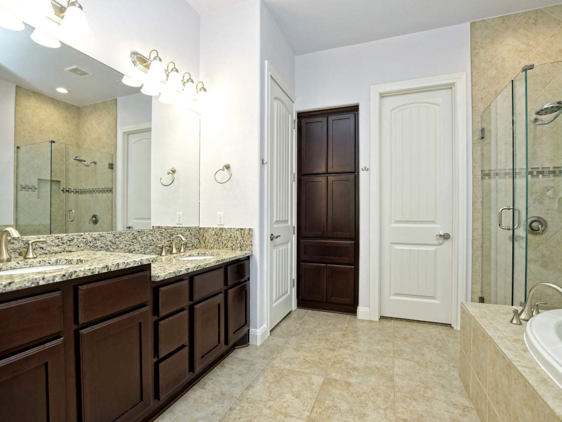 Main-Bathroom - 1804 Valle Verde, Cedar Park, Leander TX 78641
