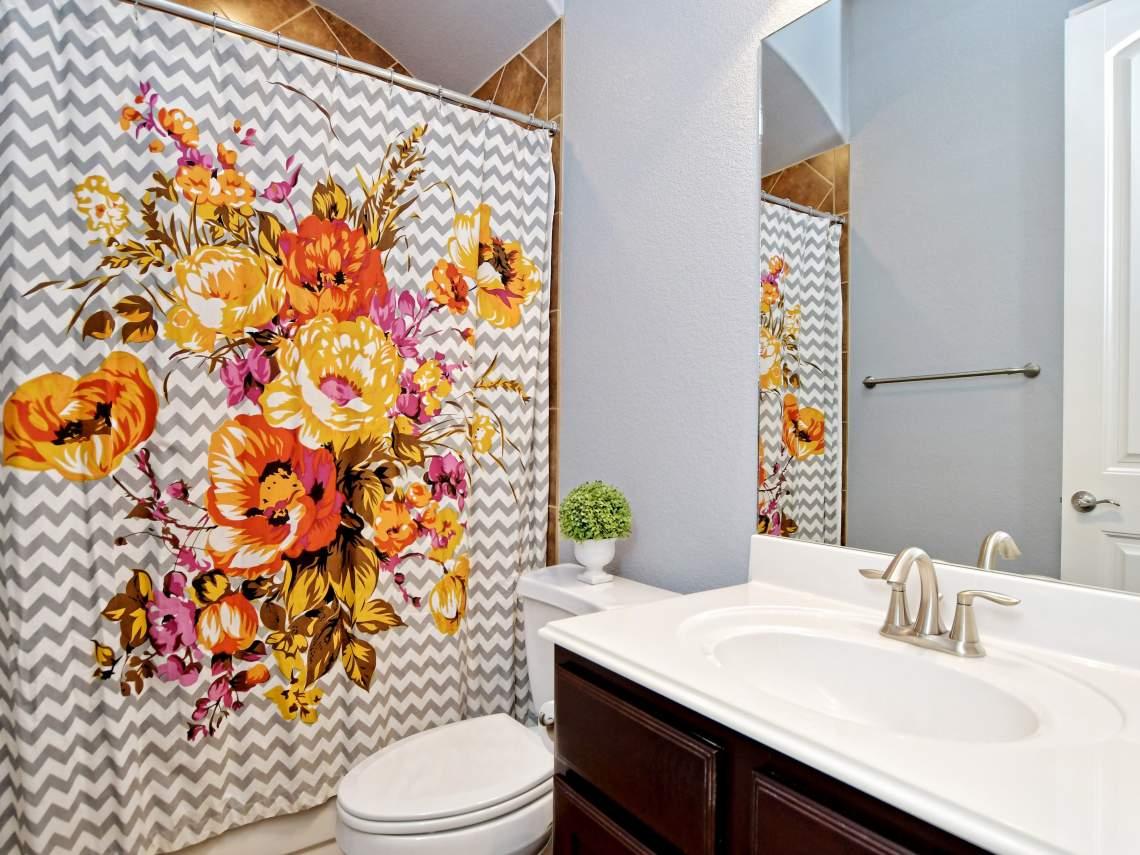 3rd-Bathroom - 1804 Valle Verde, Cedar Park, Leander TX 78641