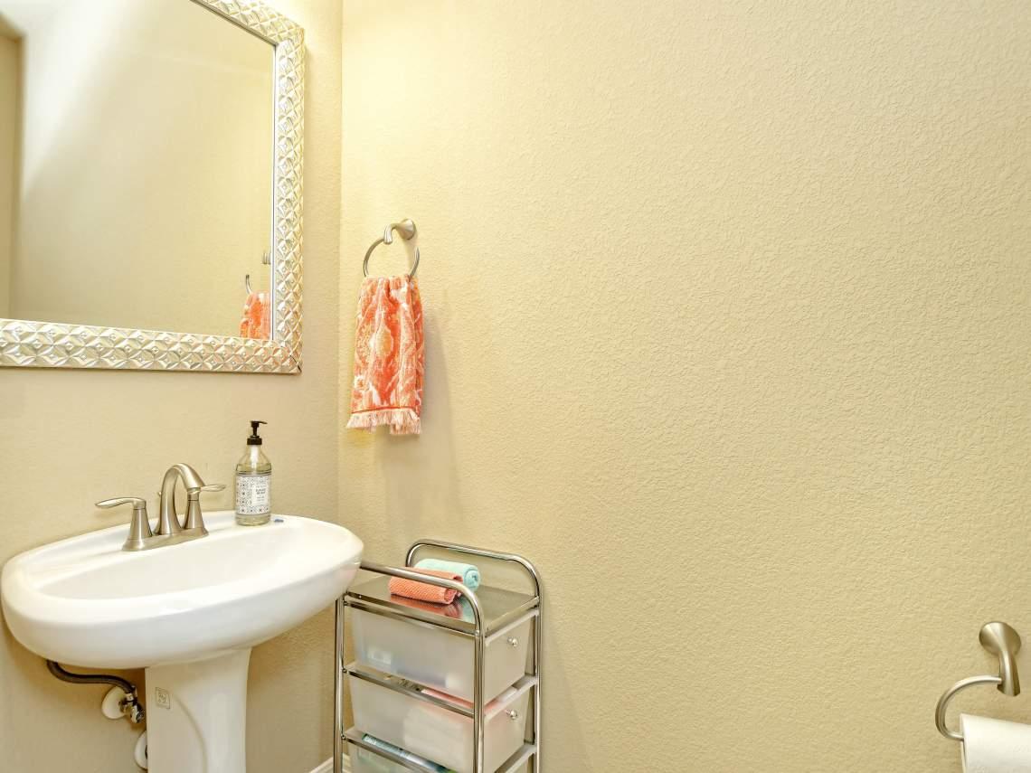 Flex room half bath -1804 Valle Verde, Cedar Park, Leander TX 78641