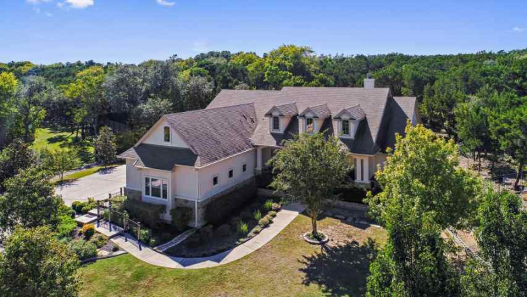 Hillcountry living just minutes from Dripping Springs Shops & Schools