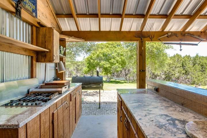 Full outdoor Kitchen - Copy