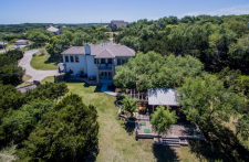 Backyard Paradise-Party Pavilion-best pizza in Dripping Springs – and a sweet home!